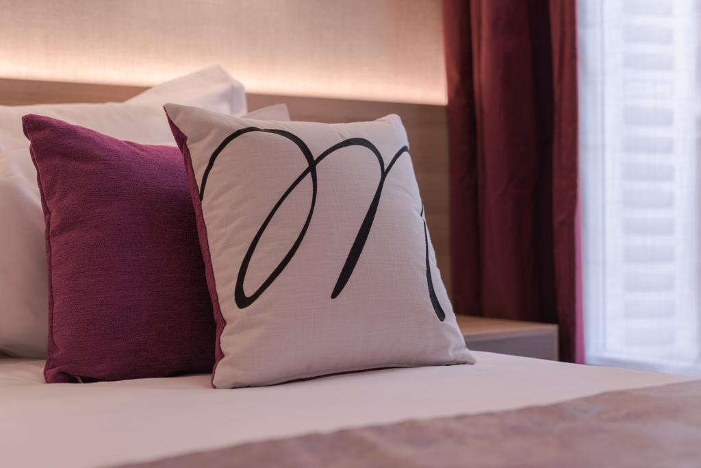 détail lit - hôtel magda champs-élysées