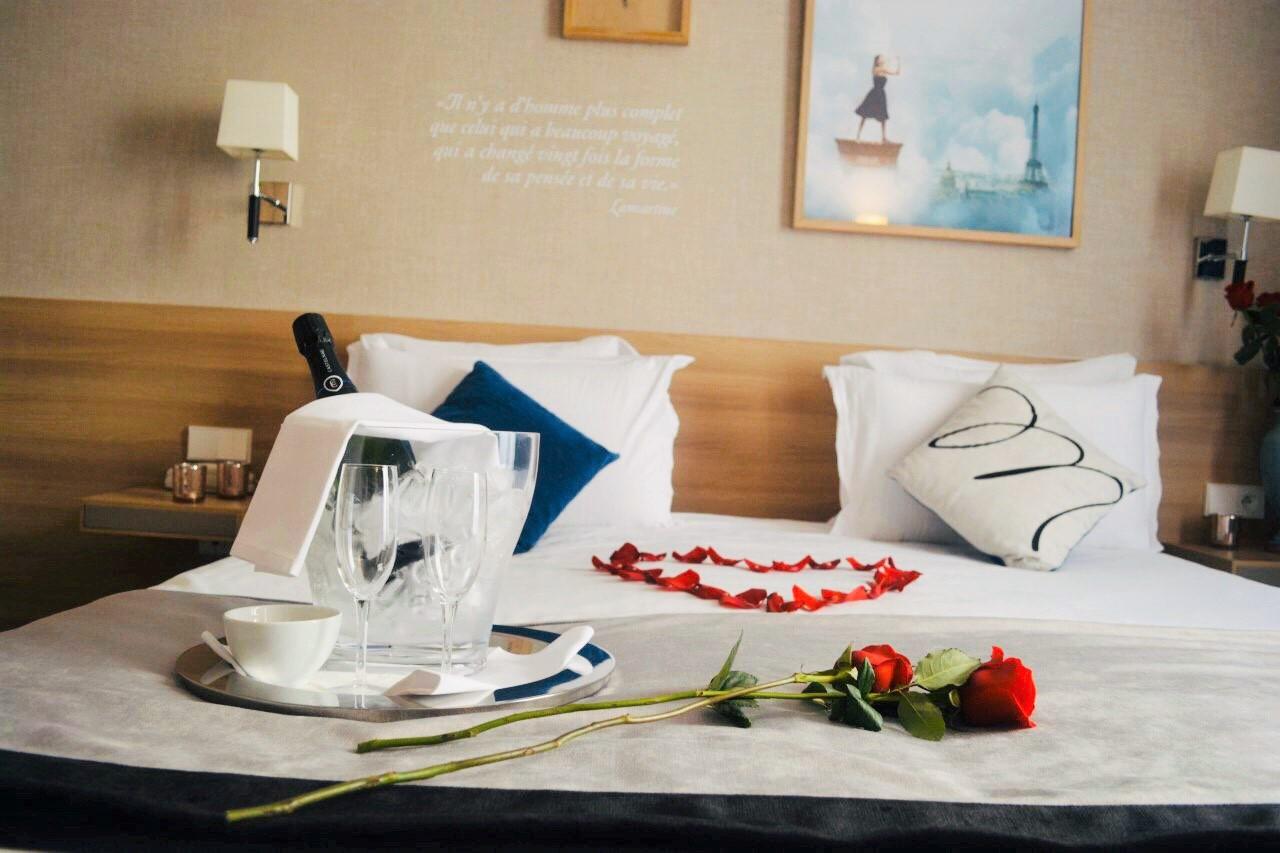 chambre-romantique-hotel-magda-champs-elysees