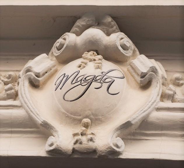 logo-facade-hotel-magda-champs-elysees